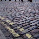 cobbled-road-1150896-638x293